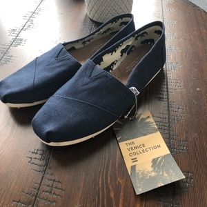 TOMs brand new with tags